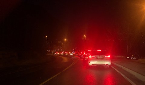 Her står trafikken ved Eidsvåg i morgentimene.