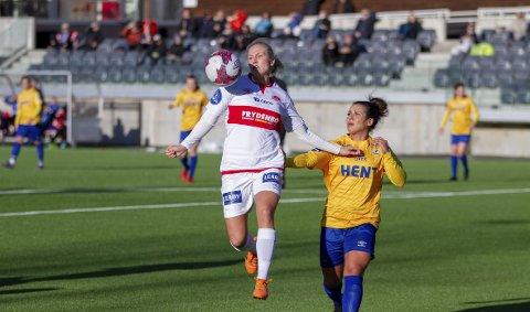 Lisa Naalsund to mål da Sandviken vant 3-2 borte mot Klepp søndag. Hun mener Sandviken kan utfordre LSK om gullet i Toppserien.  ARKIVFOTO: BERNT-ERIK HAALAND