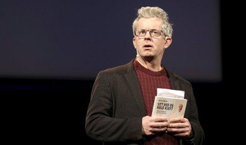 Knut Nærum, som skriver både krim og tegneserier, kommer til Raptus i år for å snakke om den siste historien han har vært en del av, Arild Midthuns «Øs, pøs i Bæææregn».