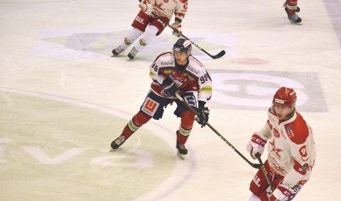 Sander Ødegaard (18) er noe så sjelden som en bergenser i eliteserien i ishockey!