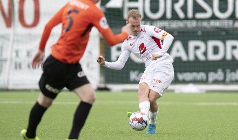 Petter Strand (26) har spilt hvert eneste minutt i Kåre Ingebrigtsens tid som Brann-trener. Nå bli han også kaptein i Daniel Pedersens skadefravær.