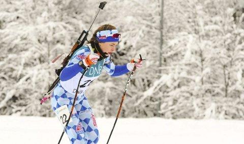 SØLV-JENTE: Ida Lien sikret en etterlengtet sølvmedalje på lørdagens sprint. Samtidig fikk hun bekreftelser på at beina fungerer som de skal og ser nå mot NM langrenn om snaut to uker.Foto: Arne Brunes