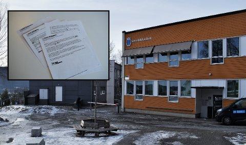 Ifølge flere foreldre, som har kontaktet Drammens Tidende, skal elever ved Aronsløkka skole ha blitt vettskremte da de så eleven med kniv. De har sendt varsler til Fylkesmannen (innfelt) vedrørende hendelsen og skolemiljøet.