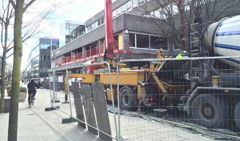 Ansiktsløftning: Bygningen, som ligger i Gågata, får blant annet helt ny fasade. FOTO: Lill MOstad