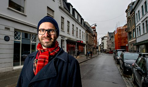 Trond Svandal mener hele fargepaletten er i ferd med å bli borte både i Fredrikstad og andre byer. Nå vil han foreslå i bystyret at det blir utarbeidet en fargeveileder for Fredrikstad.