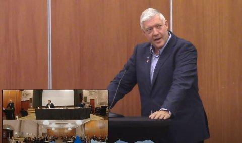 Boy-Arne Buyle sa på talerstolen at det ikke er behov for flere vinmonopol i kommunen, men stemte likevel for en etablering i Ballangen.