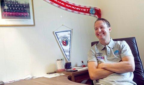 OFFENSIV: KIL-sjef Espen Nystuen mener de bør få lov til å starte opp fullkontakt-trening umiddelbart.