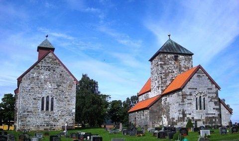 Søsterkirkene (mørk stein er gabbro og lys stein er Pentameruskalk)