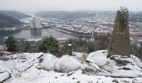 MER SNØ: Det er varslet rundt 10 centimeter snø i Halden torsdag kveld.
