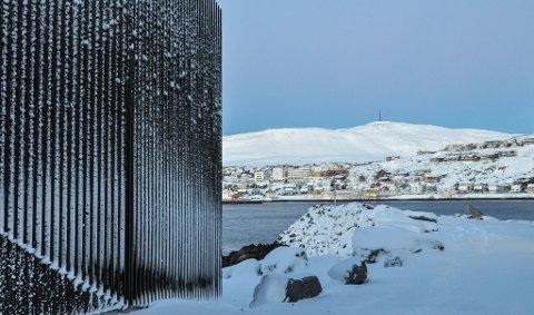 KULINGVARSEL: I Hammerfest kan det komme opp i stiv kuling mandag.