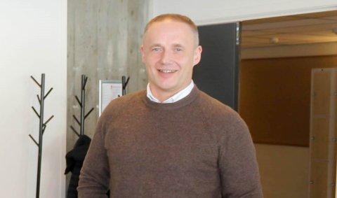 BYTTER ARBEIDSGIVER: Jens-Harald Jenssen gir seg som direktør i Serit Eltele fra 1. november. Da skal han ta over daglig leder-stillingen i grunderbedriften Tialta, som holder til i det gamle NRK-bygget på Alta sentrum.