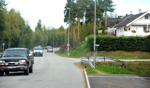 Trafikken på deler av Gomsrudveien blir flyttet til Ove Gjeddes vei i byggeperioden på ny E134 FOTO: STÅLE WESETH