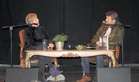 Tom Egeland åpnet først Kongsberg krim, og bokbadet deretter karin Fossum på Energimølla onsdag kveld. Dermed er krimfestivalen i gang for alvor.