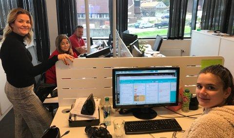 REDAKSJONEN: Mange reportere følger valget. Fra venstre Nyhetsredaktør Linn Kristin Djønne, og Lp- journalistene Natalia C. Heinrich, Cato Martinsen og frontsjef Lilly Christin S. Persson.