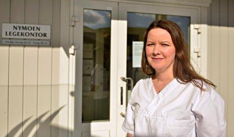 NORMALE DAGER: Mari Bakkegard Schjerpen på Nymoen legekontor får temmelig få henvendelser fra usikre foreldre.