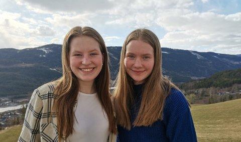 Hilde og Åshild Strangstad er to av de heldige som kapret sommerjobb i år.