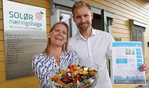 SPENNENDE UKE: Konstiruert daglig leder i Solør næringshage, Anette Strand Slettmoen, og Bernt HJelmervik i AB Utvikling lover en spennende uke for gründere.