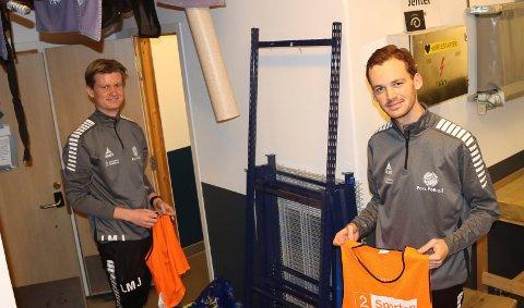 PORS-TRENERE: Ludvik Georg Mørk Stabell-Johansen og Reinhard Bjornes Nærbø. Pors åpnet for trening igjen mandag.