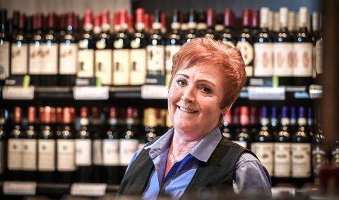 Rita Kråkstad går av og blir pensjonist etter 40 år på vinmonopolet.