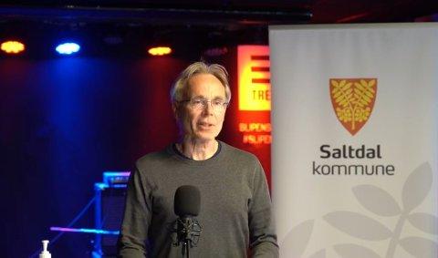 Kommuneoverlege Kjell-Gunnar Skodvin sier kommunen vurderer tiltak. Mandag klokken 16 er det pressekonferanse.