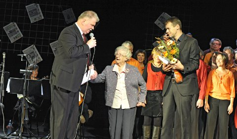RB feiret sitt 75 årsjubileum. Fra venstre: Roger Andreassen, Borghild Nordby og Gaute Freng. 9. oktober 2010