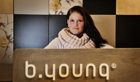 Jeanette Heggelund Skaug åpner klesbutikken b.young på Mølla Storsenter torsdag. 13. november 2010