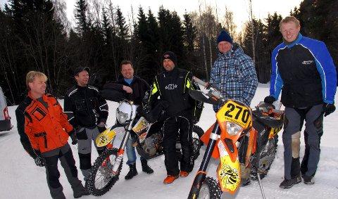 Enduro-eventyrerne: Fra venstres Jørgen Skaug, Kjell Andre Olsen, Sone Berg, Eskil Håkonsen, Thor Jan Larsen og Arnt Olav Skyrud. 12. februar 2011