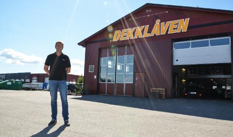 SNIPP, SNAPP, SNUTE: Tommy Holmvik og Dekklåven er snart ute av Elverum.