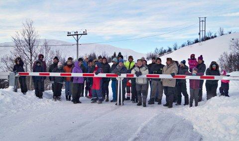 PRIORITERT: De vesentlige innvendingene mot regionalplanen for Hardangervidda - der Imingfjellvegen forblir vinterstengt -  skal snart avgjøres, ifølge departementet. Dette bildet er fra en demonstrasjon mot vinterstengt vei i desember 2019.