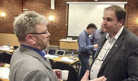 VANNVERK: Nannestad-ordfører Hans Thue og Christian Bendz (H) er enige om at dersom Ullensaker ikke havner tilbake på den opprinnelig omforente løsningen, må Nannestad gå i tenkeboksen. foto: Elisabeth Lunder