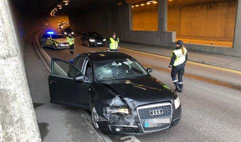 STORE SKADER: Slik ser den ene bilen ut etter sammenstøtet. FOTO: VIDAR SANDNES