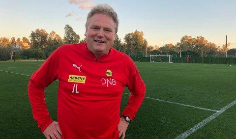 FORNØYD: LSK-trener Jörgen Lennartsson så sine spillere trene sin første økt på Marbella mandag.
