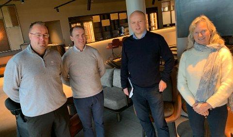 GOD DIALOG: Trygve Slagsvold Vedum ønsker å bidra til flere besøkende på Miklagard, her sammen med golfsjef Tore Waagø, hotellets styreleder Torstein Storækre og NHO-direktør Kristin Krohn Devold.