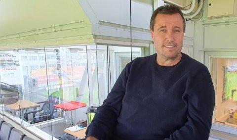 TILBAKE: Tirsdag var Tom Nordlie tilbake på Åråsen for å kommentere treningskampen mellom LSK og Kristiansund.