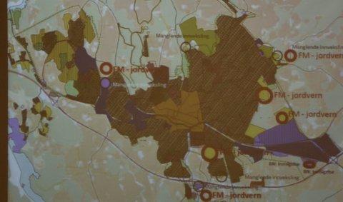 INNSIGELSER: Dette kartet viser alle jordvern-innsigelsene fra Fylkesmannen i Østfold.
