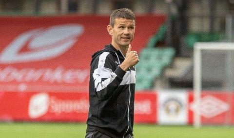 SER TIL ENGLAND: Eirik Bakke er i ferd med å henta kantspelaren Ronan Darcy (20) på lån frå den engelske klubben Bolton.