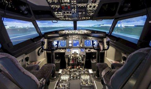 Flysimulator: Når elevene på Pilot Flight Academy er ferdige med undervisningen for dagen, er tanken at blant annet flysimulatoren, en Boeing 737 til over ni millioner kroner, kan tas i bruk av andre grupper. (Illustrasjonsfoto)