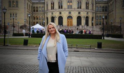 ALTFOR LITE: Åslaug Sem Jacobsen (Sp) mener det ligger altfor lite penger til fylkesveiene i forslaget til statsbudsjett.