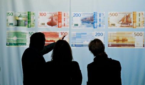 De nye sedlene under Norges Banks presentasjon. 50- og 500-lappene kom i sirkulasjon torsdag.