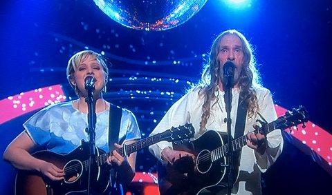 VIDERE: Frida Ånnevik og Elg gikk begge videre i Århundrets stemme lørdag kveld.
