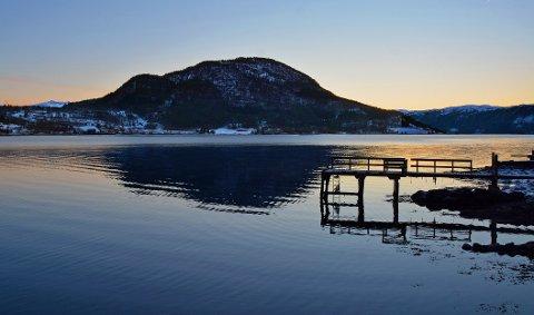 Saglimana: Sett fra Vorpukta i Tingvollvågen.