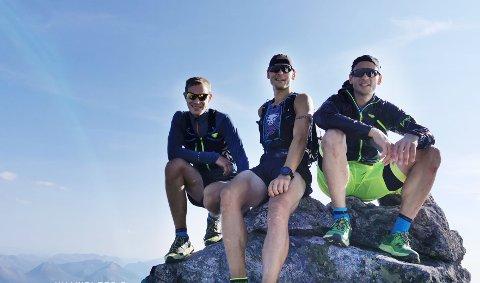 Jan Roger Hagen, Espen Avset Fredriksen og Eirik Avset Fredriksen på toppen av Store Vengetind.