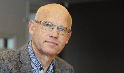 VIL STYRKE TOGET: Fylkespolitiker Hans Hilding Hønsvall (KrF) vil ha tidligere tog til Skien av hensyn til flypassasjerer og pendlere.