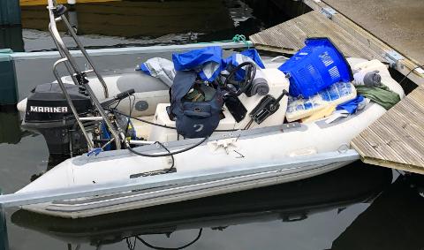 STJÅLET: Er dette din båt, eller kjenner du eieren? Ta kontakt med politiet.