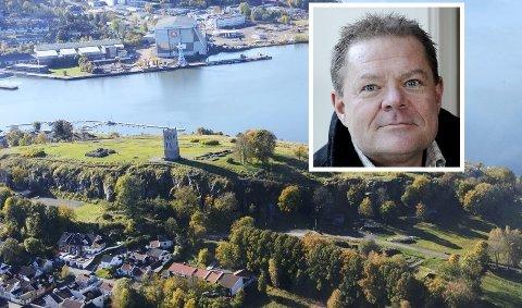 BEHOV FOR SIKRING: Jan Eide, kommunalsjef for eiendom og tekniske tjenester i Tønsberg kommune, forteller at de snart går i gang med rassikring på Slottsfjellområdet.