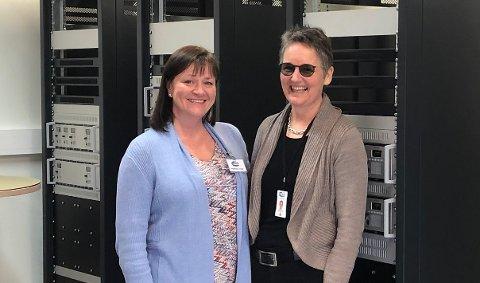 VINN-VINN: Ann Kristin Bekkevoll i Opplevelseskortet og Merete Berdal, daglig leder i Jotron AS er fornøyde med samarbeidet rundt sponsorkonseptet Bærekraftspartner.