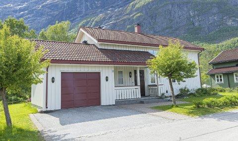 Solgt: Eiendommer som selges i Sunndal og Tingvoll kommer fortløpende opp på auraavis.no.