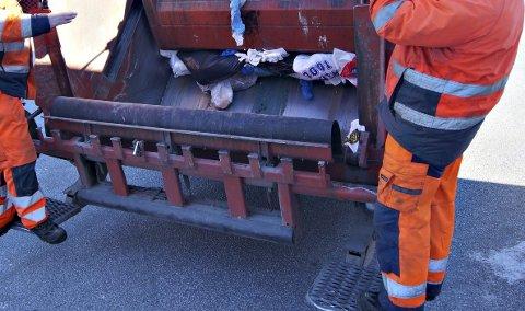Henter avfallet: Sunndal er den eneste kommunen i ReMidt-samarbeidet som fortsatt henter avfallet med egne ansatte.