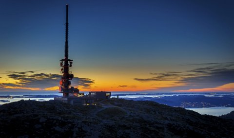Ulriken er et av bergensernes og tilreisendes kjæreste fjell i Bergen. Driften av Ulriksbanen er basert på 150.000–180.000 påstigninger i året. FOTO: Svein-Magne Tunli