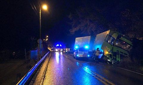 Dødsulykken skjedde like før klokken 0330 natt til lørdag.